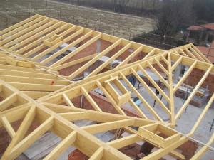 Tetto con struttura in legno lamellare