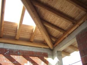 Particolare tetto in larice
